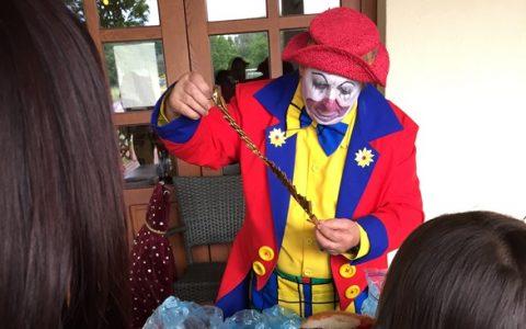 Clown Papierschneidekunst